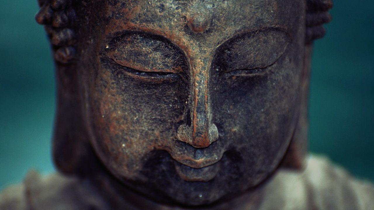 Bouddha Rieur Signification Position statue bouddha : quelle place lui consacrer dans sa maison ?